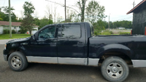2004 Ford 150 XLT Triton 5.4 Pick up for sale