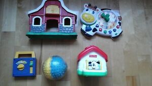 Lot de jouets pour bébés / Toys for infants and toddlers