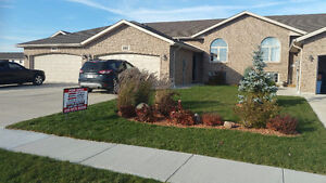 392 Marla Crescent – 4 years old - Finished Up and Down!! Windsor Region Ontario image 1
