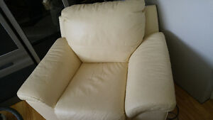 multi pieces of furniture in excellent condition