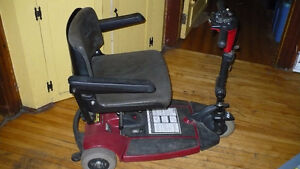 CHAISE ROULANT ELECTRIQUE -- ELECTRIC WHEEL CHAIR