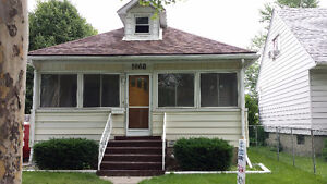 Great East Side Location 3 Bedroom House,Oct. 1,$995+