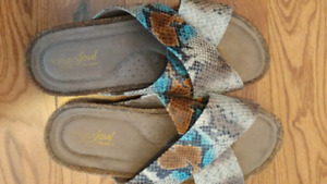 Naturalizer sandals new size 9