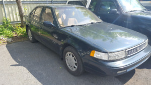 1994 Nissan Maxima GXE. blown transmission. For parts.