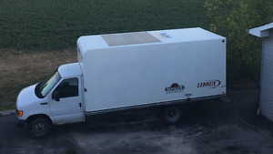 2004 Ford E-350 16FT CUBE TRUCK WITH RAMP
