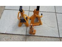 bottle jack and axle stands