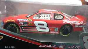 WINNERS CIRCLE DALE ERANHARDT JR. #8 NASCAR 1:18 MINT!!DIECAST