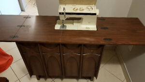 SINGER FUTURA II SEWING MACHINE MODEL 920