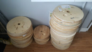 Wooden Discs (Plywood, Various sizes, removed from wire spools)