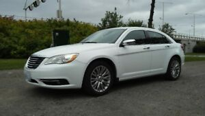 2013 Chrysler 200, V6 3.6 litre. 82,000 km. Fully loaded.