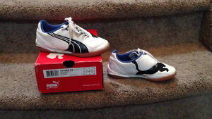 Youth Indoor Soccer Shoes, Shin pads & Socks