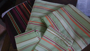 Queen sized sheet set + bedskirt $15 takes