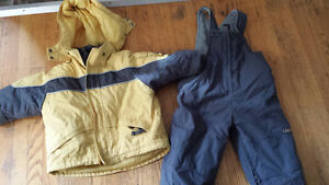 $20 selling a Children's Place 2 pc Snowsuit London Ontario image 1