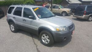 FORD ESCAPE 4X4 SUV ***** CERTIFIED **** SALE PRICED $4495