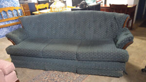Couch excellent condition - Delivery
