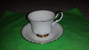 """Royal Albert """"Val D'or"""" Cup & Saucer Cambridge Kitchener Area image 5"""