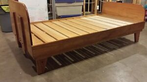 Pine Bed Frame (Twin Single)