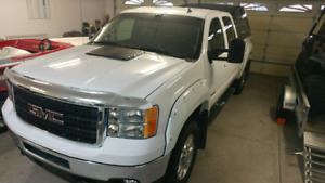 2012 GMC SIERRA SLT 2500HD with 5th wheel hitch