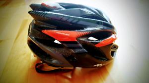 Casque de vélo neuf - jr
