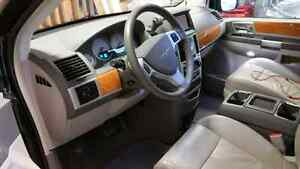 2010 Chrysler Town & Country Limited Strathcona County Edmonton Area image 4