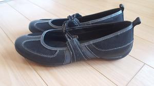 Women's Geox Shoes  (Sz 7)