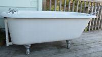 Claw foot bath tub-Excellent condition!!!