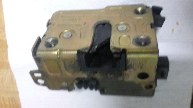 cerradura de puerta delantera derecha/ izquierda  renault clio /19