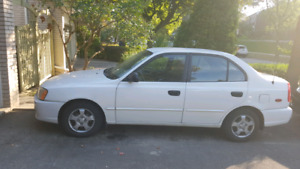 Hyundai Accent GL 2002 ...lady driven