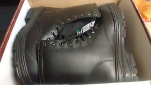 Safety Shoes Steel Toe CSA Boots. Made in Canada. NEW