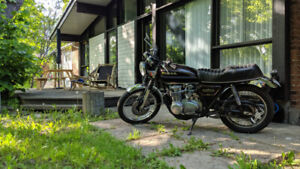 CAFE RACER STYLE  HONDA CB550K_TRES PROPRE_ VERY CLEAN!