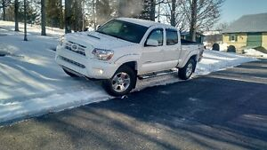 2015 Toyota Tacoma blanche Camionnette
