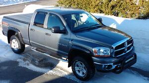 2006 Dodge Power Ram 1500 slt trx4 off road 5.7l Camionnette