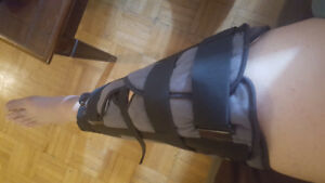 Tri-Panel Knee Immobilizer I HAVE 2 FOR SALE