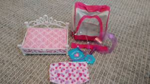 Doll and toy pet accessories and clothes like new