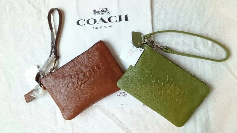 COACH EMBOSSED HORSE & CARRIAGE CORNER ZIP LEATHER WRISTLET