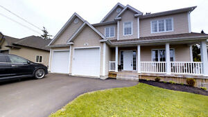 Beautiful house for sale in FOX CREEK DIEPPE!!