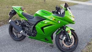 2012 Candy Apple Green Ninja 250 $2899