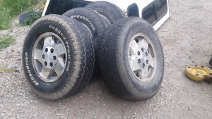 set of tires and rims 245/75R16