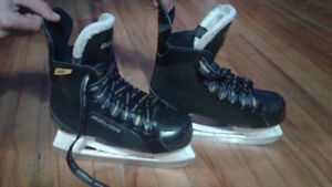 Bauer skated for boys size 4