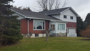 4 bedroom house for Sale. close to 401.