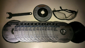 Angle grinder..mint condition... As well as 16 grinding disc's..
