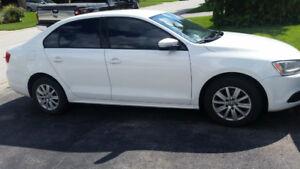 2011 Volkswagen Jetta/saftied/Best offer