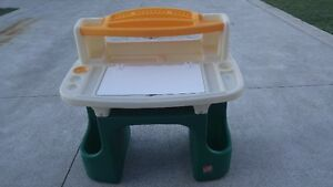 Children's / Toddlers Step 2 Desk