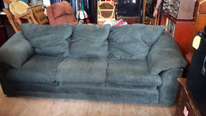 LARGE COMFORTABLE COUCH London Ontario image 1