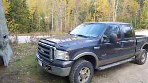 2004 f350 lariat diesel. Priced to sell $3650obo motivated