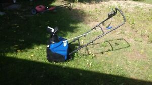 Electric snowblower in excellent condition
