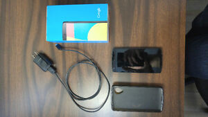 Unlocked Lg Nexus 5 16gb black original box small crack