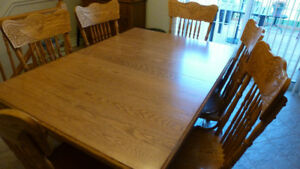 solid oak 7 pc dinning set