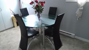 Leather Dining Table Set