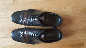 Authentic Men's Prada Burgundy Oxfords